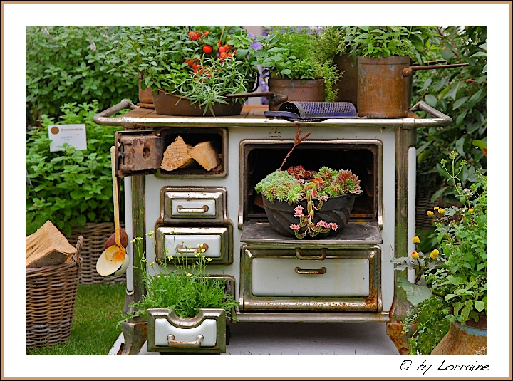 blumenfahrr der und andere bepflanzte gebrauchsgegenst nde gartenplanung gartengestaltung. Black Bedroom Furniture Sets. Home Design Ideas